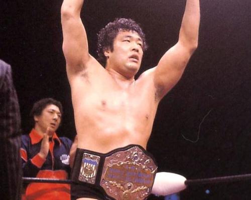 ジャンボ鶴田がAWA世界ヘビー級...